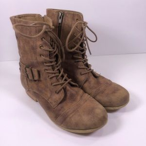 CUTE Roadster Lace Up Wooden Bottom Boots
